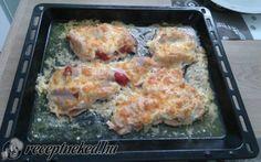 Rakott csirkemell recept Kautz Jozsef konyhájából - Receptneked.hu Bacon, Meat, Chicken, Food, Essen, Meals, Yemek, Pork Belly, Eten