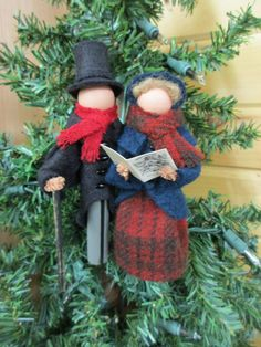 NEW in Our pair of Victorian carolers is ready to add a touch of vintage Christmas to your tre Ornament Crafts, Handmade Ornaments, Diy Christmas Ornaments, Felt Christmas, Felt Ornaments, Christmas Projects, Handmade Christmas, Holiday Crafts, Christmas Decorations