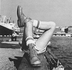 ccf-elegy: Peter Hujar: Crossed Legs on the Pier (1976) From The Piers: Art and Sex along the New York Waterfront