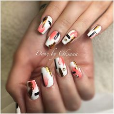 Love this nail art there's a lot but it's also simple #springnailart