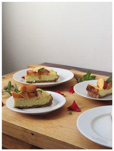 Cheesecake with peach topping http://sweetheartsweets.blogspot.com/2014/08/torta-od-sira-s-breskvama-cheesecake.html