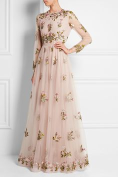 Valentino Embellished Embroidered Tulle Gown Concealed hook and zip fastening at back polyamide; Evening Dresses, Prom Dresses, Formal Dresses, Net Dresses, Net Gowns, Dresses Online, Beautiful Gowns, Beautiful Outfits, Party Mode