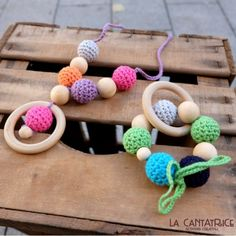 http://e-shop.lacantatrice.com/home/599-kit-collar-lactancia-mordedor-madera-ganchillo.html