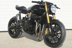 Suzuki GSX650 Cafe Racer by Custom Wolf #motorcycles #caferacer #motos | caferacerpasion.com