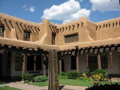 El más puro estilo Santa Fé / Santa Fe Style, Santa Fe, NM by valencho, via Flickr