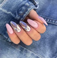 Do you love to use sparkly nails? Vibrant nail designs will always Cute Almond Nails, Almond Nail Art, Dot Nail Art, Polka Dot Nails, Long Nail Designs, Nail Art Designs, Nail Design Kit, Nails Design, Grow Long Nails