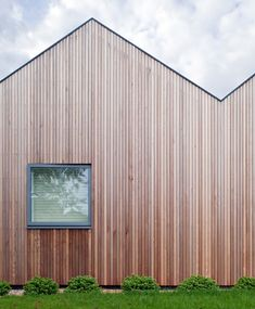 Flush roofs and clad exteriors
