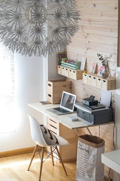 Home office decor ideas is so popular why not add it to the work space we . home office decor ideas Diy Office Desk, Home Office Furniture, Home Office Decor, Office Organization, Pipe Furniture, Office Spaces, Furniture Vintage, Work Spaces, Office Ideas