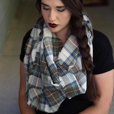 How to make & tie a blanket scarf. Great for crisp & cool Fall days.