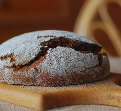 RUSSIA / http://www.whichmeal.com/russia/dishes/Black-Bread-1133/