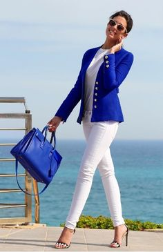White jeans / blue blazer ~ Have white high neck tank top Stylish Summer Outfits, Classy Outfits, Casual Outfits, Fashion Outfits, Womens Fashion, Royal Blue Outfits, Royal Blue Blazers, Mode Ab 50, Look Blazer