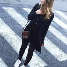 Shopping du samedi ✌️ Il reste quelques très bons plans sur la collection hiver (rubrique Outlet) • Robe Repect #leonandharper • Sac Minos #cliogoldbrenner  #ootd #outfitoftheday #ootd #blackandbrown #onlineshopping #enjoy
