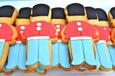 A classic British Party Theme-  Cute London Soldiers Cookies- this theme is super cute, but i think it would be better to adapt to an adult party.