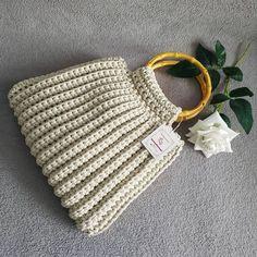 Crochet Bib, Crochet Coin Purse, Free Crochet Bag, Crochet Purses, Crotchet Bags, Knitted Bags, Bag Patterns To Sew, Crochet Patterns, Crochet Ideas