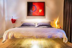 Camas flutuantes são móveis únicos, que vão dar um ar diferenciado para o seu quarto. Não importa se a decoração do seu quarto é minimalista, contemporânea