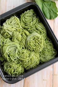 Spinach Recipes, Vegetable Recipes, Spinach Noodles, Indonesian Cuisine, Indonesian Recipes, Malay Food, Dumplings For Soup, Low Calorie Dinners, Asian Recipes