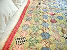 Beehive quilt. I have one like this my grandmother made me years ago. I just love it.