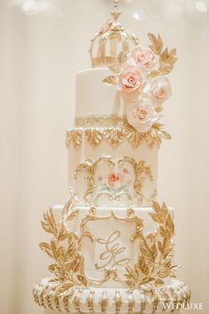 Floral Wedding Cakes WedLuxe – A Gorgeous, Opulent Wedding with Blush Floral Abound Wedding Cake Fresh Flowers, Fresh Flower Cake, Beautiful Wedding Cakes, Beautiful Cakes, Luxury Wedding Cake, Black Wedding Cakes, Floral Wedding Cakes, Gold Wedding, Wedding Gowns