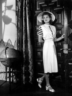 My favorite outfit from my favorite movie.  Ingrid Bergman in Casablanca. <3