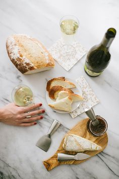 Bring your dinner party host an instant happy hour #ECCOholiday