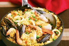 47 - Paella di pesce (Spagna) Variante più nota della classica paella valenciana, quella di pesce sostituisce la carne con  crostacei o molluschi, come cozze, scampi e seppie
