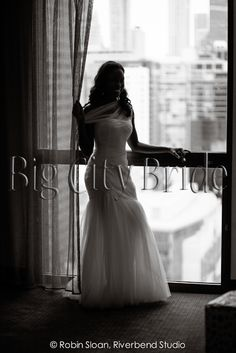 #Chicago weddings! Beautiful bride with dramatic lighting for unforgettable images! #bigcitybride #chicagowedding  #chicagoweddings #chicago #wedding #weddings #weddingplanner #weddingplanners #weddingday