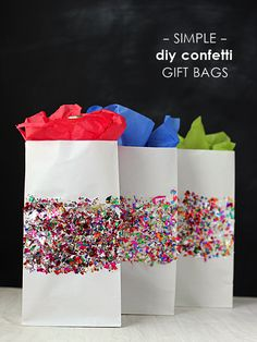 Show your sparkle with these DIY Confetti Gift Bags for Christmas!| gift wrapping