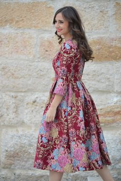 Sandra of the 1000 Maneras de Vestir Blog in Miss Scarlett's Tea Room Dress by Dainty Jewells. Modest fashion and bridesmaid dresses.
