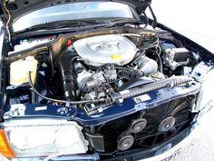 Mercedes 500 SE W126 engine bay