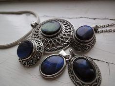 Koruharakan pesä: Kalevala 1636 (ja muutakin sinistä) Vintage Jewelry, Gemstone Rings, Jewelry Design, Jewels, Gemstones, My Favorite Things, My Style, Fashion, Moda