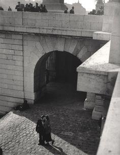 Quai du Louvre 1950 by Robert Doisneau