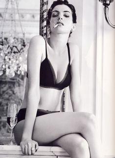Anne Hathaway<3