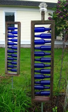 Yard art - Different form of bottle tree. Great blue accents for garden or on backside of garage Garden Crafts, Garden Projects, Yard Art Crafts, Diy Crafts, Blue Bottle, Blue Glass Bottles, Cobalt Glass, Sea Glass, Easy Garden
