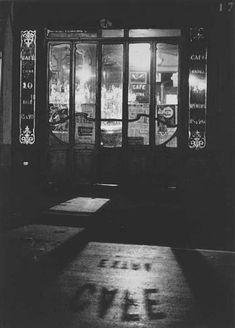 André Kertész. Café 1927 The Orchid Thief. http://0rchid-thief.livejournal.com/695658.html?thread=3879274