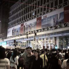 Umbrella Revolution Hong Kong, 16OCT2014, construction workers are building bamboo barricades in Mong Kok.