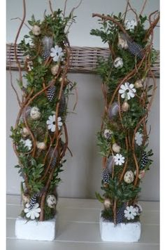 Amazing decoration in front of the front door: fantastic decorations that will . Easter Flower Arrangements, Floral Arrangements, Christmas Centerpieces, Christmas Decorations, Decoration Entree, Branch Decor, Harvest Decorations, Container Flowers, Easter Table
