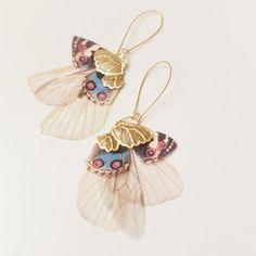 Ali dorate Cluster svolazzanti farfalle lungo di jewelera su Etsy