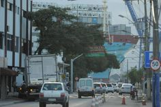 Navios cargueiros que aportam no Complexo Portuário de Itajaí