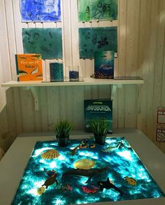 Reggio Emilia, Art For Kids, Crafts For Kids, Light Board, Messy Play, Light And Space, Ocean Themes, Light Project, Sensory Bins