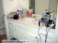 Clutter accumulates in the bathroom quickly, especially for those of us who wear makeup and style our hair every day. You're in and out in the bathroom in a rush each morning, not worrying about keeping things organized until it's too late. Here are some tricks to keep your vanity under control with minimal time and effort during those busy mornings. Organize Bathroom Countertop, Bathroom Counter Organization, Countertop Decor, Under Sink Organization, Bathroom Countertops, Home Organization, Organizing Ideas, Organized Bathroom, Buy Kitchen