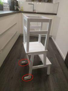 Learning Tower Ikea Hack More ikea DIY Learning Tower – Ikea Hack Outdoor Stair Railing, Stair Railing Design, Stair Treads, Railing Ideas, Wood Railing, Ikea Hack Learning Tower, Kura Ikea, Ideias Diy, Ikea Furniture