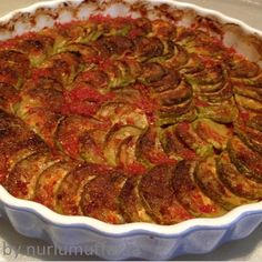 Zucchini with tomato sauce in the oven - Vejeteryan Tarifle. - Pratik Hızlı ve Kolay Yemek Tarifleri Turkish Mezze, Turkish Recipes, Ethnic Recipes, Oven Dishes, Sauce Tomate, Tasty, Yummy Food, Middle Eastern Recipes, Iftar
