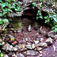 Back yard altars and shrines