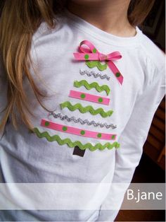 This T is way too cute and would be so easy to make for the girls.