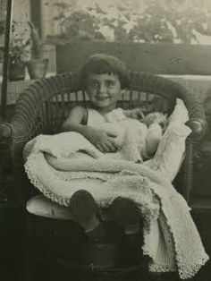 Margot Frank with her new baby sister Anne