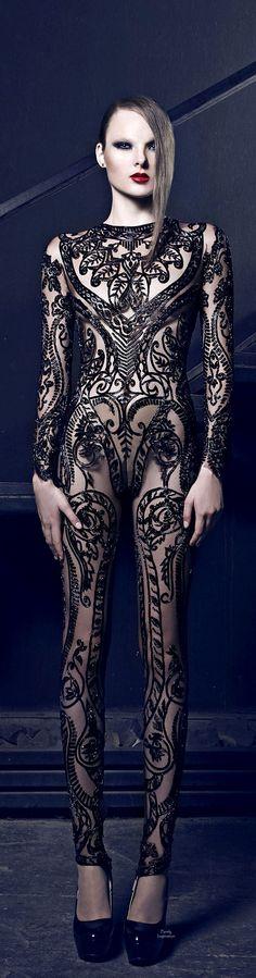 Nicolas Jebran Haute Couture FW2014 No te pierdas nuestras novedades y visítanos https://www.facebook.com/pages/EXPONLINE/141220162699654