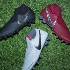 delivers 3 PhantomVSN editions for the next generation of playmakers. Comment your choice and shop them all at SOCCER. Womens Soccer Cleats, Soccer Gear, Soccer Drills, Nike Soccer, Soccer Tips, Cool Football Boots, Soccer Boots, Football Shoes, Football Cleats