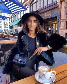All Fashion, Fashion Shoot, Fashion Beauty, Womens Fashion, Coffee Girl, I Love Coffee, Sexy Coffee, Gorgeous Women, Amazing Women