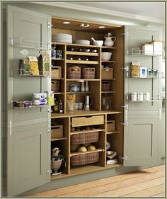 Country Pantry with American Originals Country Natural Maple 3/4 in. T x 5 in. W x Varying L Solid Hardwood Flooring