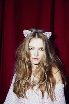 Picture of Vlada Roslyakova Black Cat Ears Headband, Blue Skinnies, Vlada Roslyakova, Mint Sweater, Loose Braids, Dress Hairstyles, For Love And Lemons, About Hair, White Lace